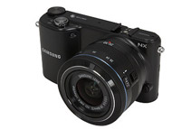Samsung 20.3 MP 3.7inch 1152K LCD Mirrorless Digital Camera with 20-50mm f/3.5-5.6 Lens, Black